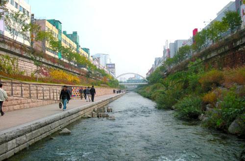 cheonggyecheon_colorful