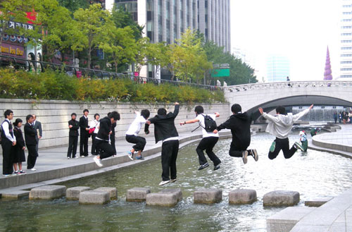 cheonggyecheon_jump