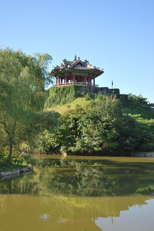 hwaseong_pond