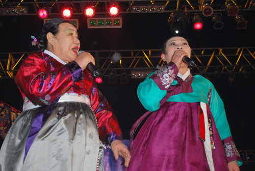 20090221_singers1